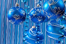 Free Blue Balls Royalty Free Stock Photography - 16574897