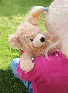 Free Child Cuddling Teddy Bear Stock Photos - 16575103