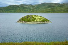 Free Picturesque Norway Landscape With Island. Royalty Free Stock Image - 16581156