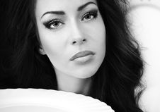 Free Glamour Woman With A White Porcelain Plate Stock Photography - 16582302