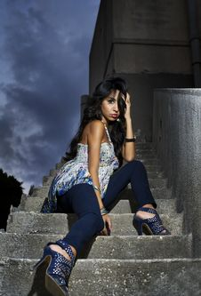 Free Beautiful Woman In A Glamour Shot On Stairs Royalty Free Stock Photo - 16586375