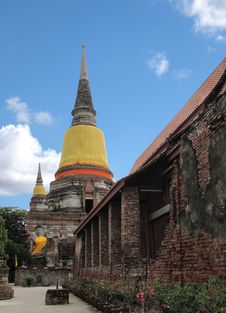 Free Wat Yai Chai Mongkol Temple , Ayuttaya Thailand Royalty Free Stock Image - 16594376