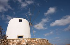 Free White Windmill Royalty Free Stock Photography - 1662177