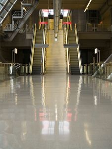 Free Escalators Royalty Free Stock Images - 1668289