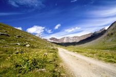 Free Mountain Path Royalty Free Stock Images - 16609739