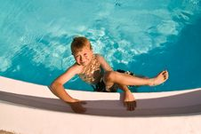 Free Child Is Posing In The Pool Stock Photos - 16614003