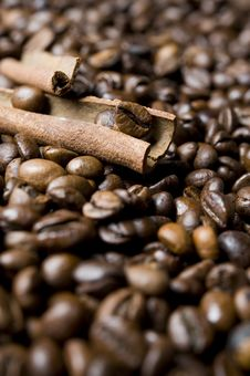 Free Coffee Beans With Cinnamon Stock Image - 16618641