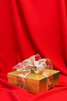 Free Christmas Present Royalty Free Stock Image - 16620136