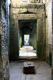 Free Angkor Wat-Cambodia Royalty Free Stock Photo - 16620695