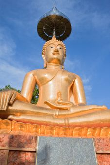 Free Buddha And The Blue  Sky In Thailand Royalty Free Stock Photos - 16626568