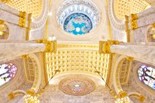 Free Dome  Interior A Catholic Church Stock Photography - 16628382
