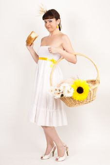Free Girl With Bread, Sunflower And Ears Of Wheat Royalty Free Stock Photos - 16631838