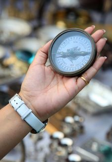 Free Ancient Navigation Compass Stock Photography - 16633332