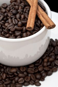 Free Coffee Cup With Coffee Beans Stock Image - 16633721