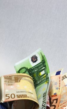 Free Euros Royalty Free Stock Image - 16634276