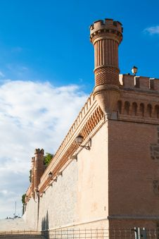 Free Wall And Towers Of  Alcazar Fortified Palace Royalty Free Stock Photos - 16636328