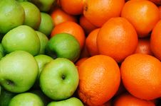 Free Apples And Oranges Royalty Free Stock Photography - 16637717