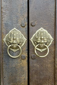 Free Vintage Chinese Art  Doorbell. Stock Photos - 16638313