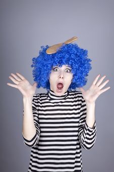 Free Surprised Blue Hair Girl With Stuck Comb. Royalty Free Stock Image - 16639586