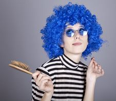 Free Coquette Blue-hair Girl With Comb. Royalty Free Stock Photos - 16639648