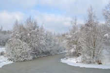 Free Snow-covered Landscape With The River Royalty Free Stock Photos - 16642118