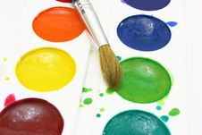 Free Paints With Brushes Royalty Free Stock Images - 16643309