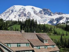 Free Mount Rainier From The Paradise Inn Royalty Free Stock Photography - 16645297