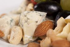 Free Cheese Plate With Grapes And Nuts Royalty Free Stock Photos - 16645878