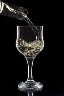 Free White Wine Being Poured Royalty Free Stock Photography - 16649387