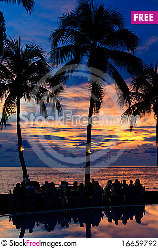 Free Diner On The Beach At Sunset Stock Photography - 16659792