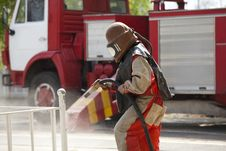 Free Worker In A Protective Suit Spraying Sand Stock Photography - 16652282