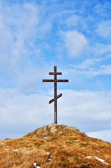 Free Cross Against The Sky On High Hill Royalty Free Stock Image - 16652516