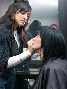 Free Asian Beautician Treats Customer Stock Images - 16652744
