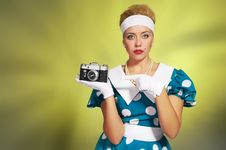 Free Lady With A Camera Royalty Free Stock Images - 16657409