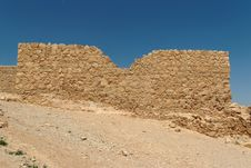Free Jagged Wall Of Ancient Fortress  In The Desert Royalty Free Stock Photos - 16663988