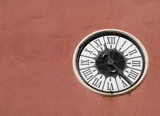 Free Old Wall Clock Stock Images - 16666304