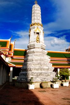 Free Stupa In Wat Pho Royalty Free Stock Image - 16666416