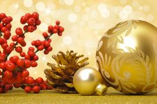 Free Christmas Ball Decoration Stock Photos - 16669713