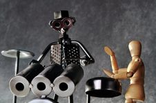 Free Drummer Figurines Royalty Free Stock Images - 16671039
