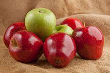 Free Fresh Apples Stock Photos - 16672303