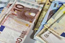 Free Banknotes Royalty Free Stock Photo - 16673345
