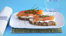 Free Smoked Salmon On Creamed Cheese Royalty Free Stock Photography - 16673637