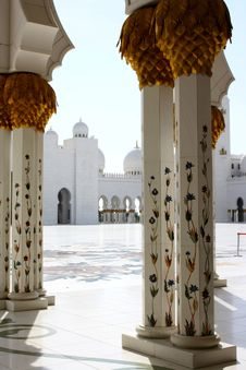 Free Marble Columns At Grand Mosque Royalty Free Stock Photos - 16674108