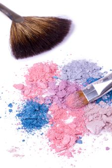 Free Make-up Brush On Crushed Eyeshadows Stock Photo - 16675790
