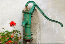 Free Water Pump Royalty Free Stock Photos - 16677618