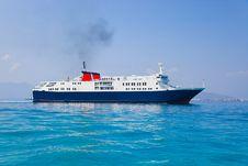 Free Passenger Ship At Sea Royalty Free Stock Photos - 16679568
