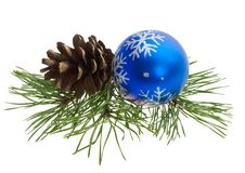 Free Christmas Ball And Pine Cone Royalty Free Stock Image - 16680826