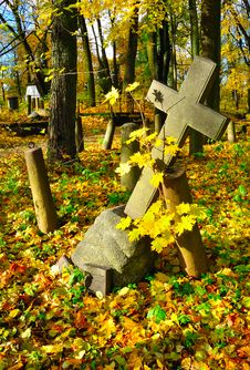 Free The Cross In A Old Cemetery Stock Image - 16685411