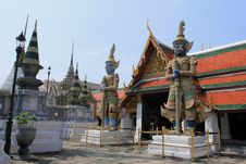 Free Thai Authentic Architecture In Bangkok Royalty Free Stock Images - 16686559