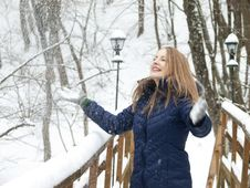Free Snow Girl Stock Images - 16687434